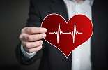 Minder zorg, meer kosten en hoger ziekteverzuim in ouderenzorg in coronajaar 2020
